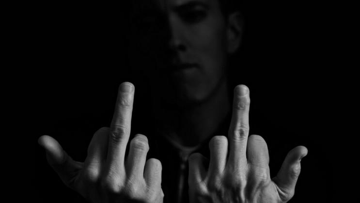 eminem-middle-finger-hd.jpg