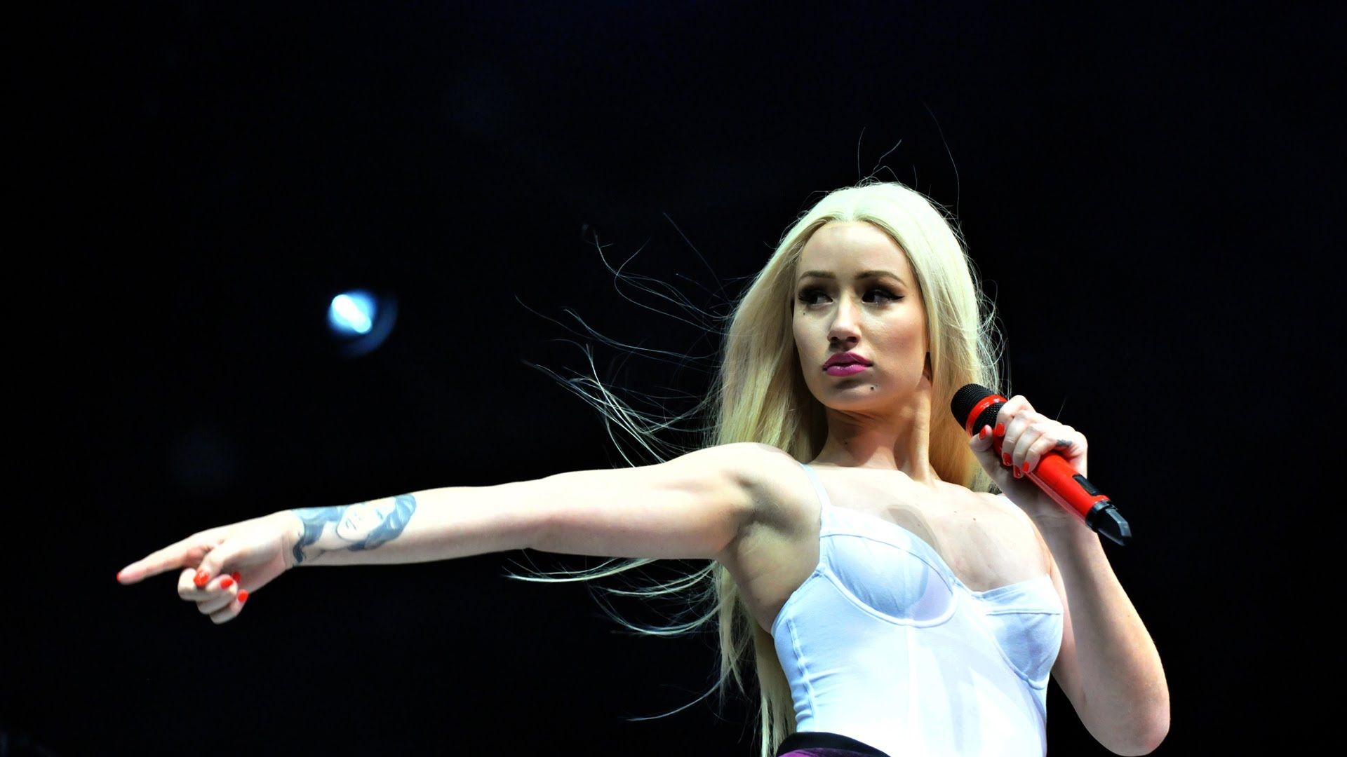 Iggy Azalea HD 9 • Rap Wallpapers