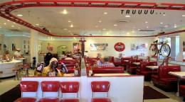 2-chainz-diner.jpg